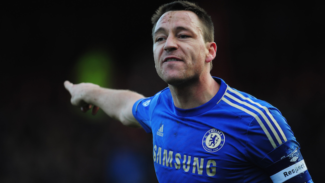LONDON, ENGLAND - JANUARY 27: John Terry of Chelsea organises his team during the FA Cup with Budweiser Fourth Round match between Brentford and Chelsea at Griffin Park on January 27, 2013 in Brentford, England. (Photo by Jamie McDonald/Getty Images)