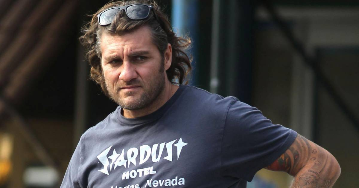 1405877-christian-vieri-is-seen-leaving-bar-opengraph_1200-2